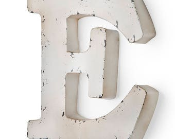 Letter and Antique ivory-colored metal 29X5X30 cm