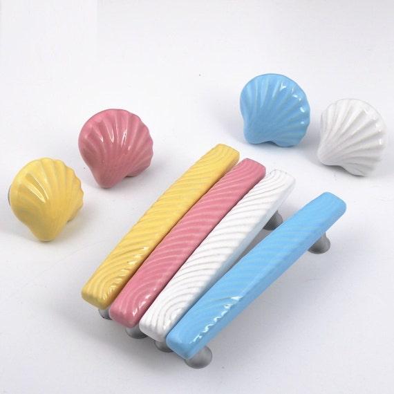 boutons de commode nautique shell tire tire poign es armoires. Black Bedroom Furniture Sets. Home Design Ideas