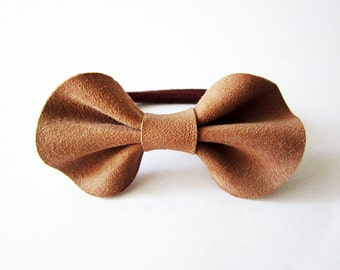 Hair bow ponytail holder, Girls hair bow, Brown leather hair bow, leather bow, elastic ponytail holder, Brown Leather hairbow