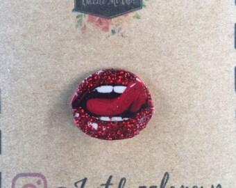 Glitter lip pin