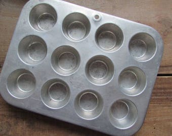 Mini Muffin or Cupcake Pan Vintage Comet Brand
