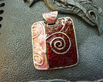 Magnificent pink and Burgundy spiral pendant ethnic medieval enamel 5x3.8cm