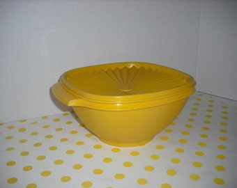 Vintage 1970's Tupperware Servalier Bowl in Bright Yellow #836-4