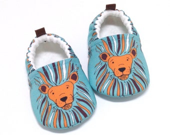 Lion Baby Shoes, Soft Sole Baby Shoes, Aqua Baby Booties, Baby Shower Gift, Toddler slippers, baby moccasins, began shoes