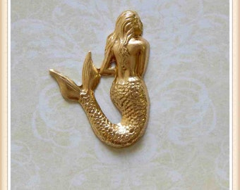 2 pcs mermaid raw brass embellishment stamping pendant #4066