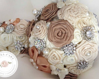 Off white bridal brooch bouquet, beige roses bouquet, custom bridal brooch bouquet
