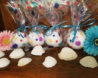 Bath bombs; essential oils; relaxtion; bubbles
