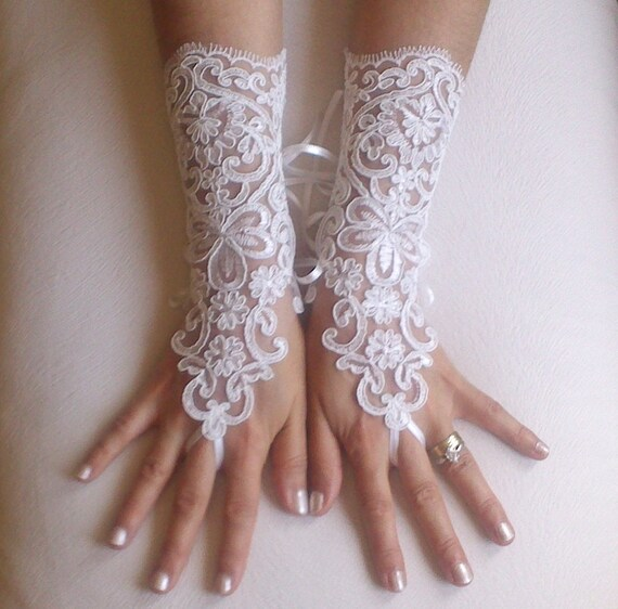 ivory Wedding gloves   bridal lace fingerless french lace arm warmers mittens cuff gauntlets fingerloop, Long lace glove rustic