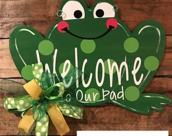 Froggy Door Hanger