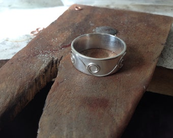 Spiral sterling silver band ring