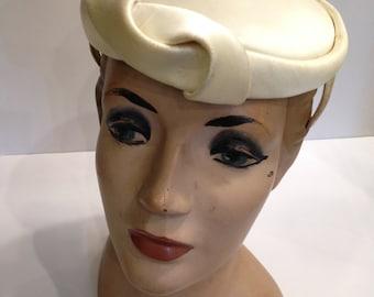Vintage 40's Hat, Cream Satin by Ronnie.