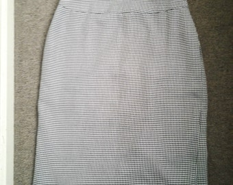 Houndstooth Print Skirt by Capture - Vintage - Size 10
