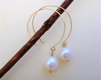 White pearl earrings, pearl and gold earrings, single white pearl drop earrings, single pearl gold filled circle earrings, June birthstone