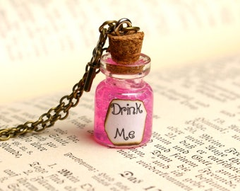Drink Me Alice in Wonderland Bottle Necklace,Disney Jewelry,Alice in Wonderland Necklace,Drink me bottle,Glass Vial,Bottle Pendant,Potion