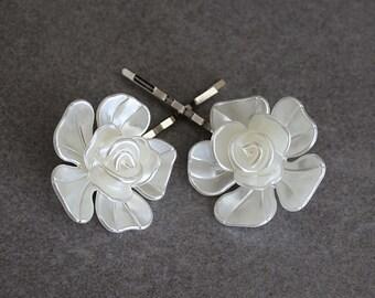White Hair Pins, White Bobby Pins, White Flower Hair Pins, White Floral Bobby Pins, Flower Bobby Pins, Bridal Hair Pins, Bride Bobby Pins