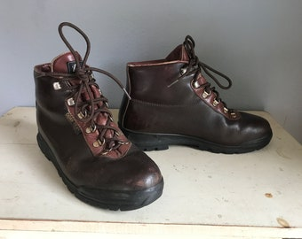 Vintage Gore-Tex all leather hiking boots made in Italy, two toned brown leather, cowhide, amazing hiking boots