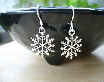 Silver Snowflake Earrings, Silver Winter Earrings, Christmas Gift for Friend, Bridesmaid Gift, Snowflake Earrings, Winter Wedding Jewelry