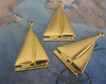 2 PC Raw brass Large Sail boat / schooner ship pendant / charm - UU08