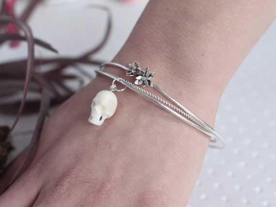 Skull Charm Bangle, Gothic Jewelry, Set of 3, Stacking Bracelet, Bone Skull, Goth Bangle, Thin Dainty Bangle, Wiccan, Pagan, Witch, Punk