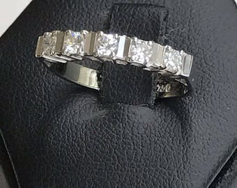 Revier faith in 18kt white gold with 5 brilliant cut diamonds for 0.25 carats