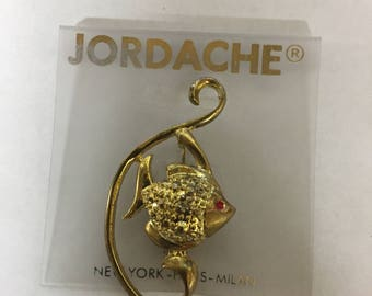 Vintage Jordache gold brooch of fish