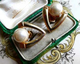 Vintage 1980s Bluette Made in France Lucite Pearl Shoe Clips, Great Cond. Great 80s Look! Vintage jewellery.