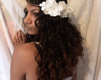 White flower crown, Bridal halo, Wedding hair circlet, White floral headband, white boho woodland hairpiece, whimsical crown, hair accessory