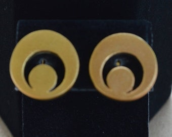 On sale Round Geometric Clip Earrings, Brushed Gold tone, Vintage (J12)