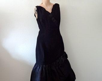 1960s Cocktail Dress - black party dress - mad men vintage size M