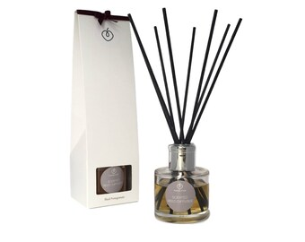 Black Pomegranate Scented Reed Diffuser
