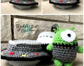 Crochet Hideaway Albert the Alien