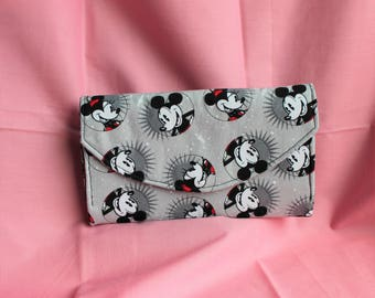 Disney Mickey & Minnie Mouse Quilted Accordion Style Clutch Wallet with 10 card slots and zipper pockets