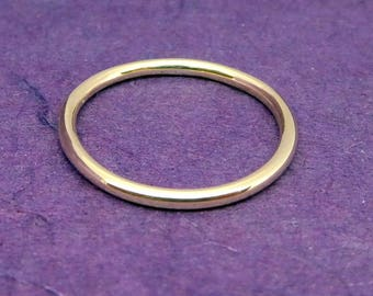 Solid gold 9ct hallmarked ring, 9ct gold band, simple gold ring, solid gold 9ct ring ideal gift, handmade gold ring, hallmarked gold ring