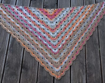 Crocheted Triangle Cloth