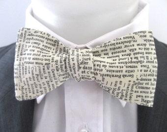 Mens bowtie  - Parlez-vous Francais? - french writing on a cream background - script bowtie