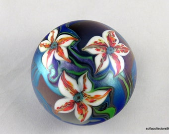 Orient & Flume 1980 Tiger Lilies in Iridescent Blue Pulled Feathers Paperweight  - Vintage Studio Art Glass