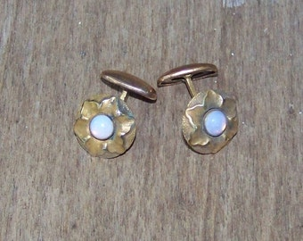 VINTAGE Gold CUFFLINKS With Opal Glass