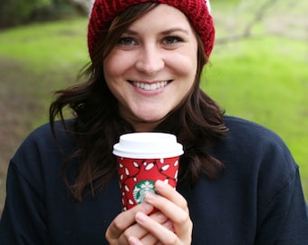 The Alice Pom-Pom Beanie in red and white