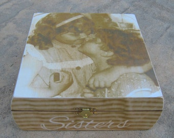 Personalized Maid of Honor Keepsake Box, Sister Gift, Custom Bridesmaid Memory Box, Unique Wedding Gift, Memorial Keepsake Box, Birthday