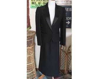 Vintage 80's 2 piece black tuxedo jacket & matching pencil skirt dress, black tux jacket, pencil skirt, Vintage 80s suit, Womens tux suit