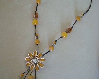 Fancy yellow flower necklace + beads