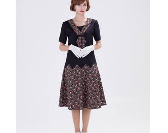 Cute Great Gatsby zig zag dress in black with small floral print, 1920s flapper dress, Downton Abbey dress, 1920s high tea dress, 20s dress