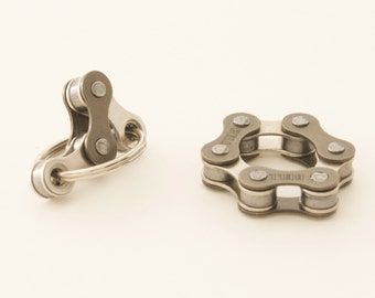 Quiet Fidget Toys for ADHD, Set of 2 Fidget Toys, Spinner Toy, Quiet Bike Chain Toy, Anxiety Relief, Office Toy, Stocking Stuffer