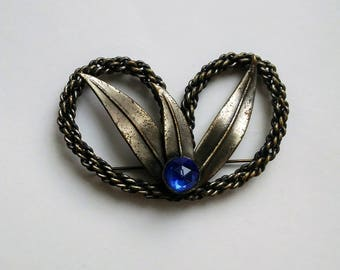 Rare Vintage Rope Pretzel Brooch Three Leaves With Blue Gem Accent