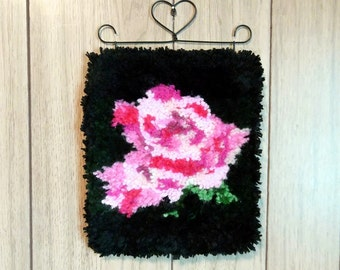 "Latch Hooked Wall Hanging ""Soft Pink Rose"""