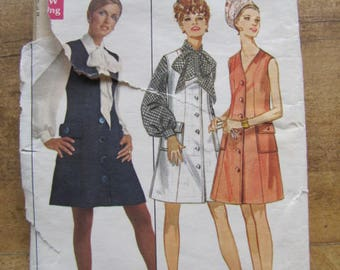 Young Designer JEAN MUIR Butterick Pattern 5214 Jumper Dress Fitted Blouse Size 10