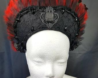 RIP resin gravestone Cameo Gothic Kokoshnik with red feathers Resin Grabstein  Frenchhood mit roter Federborte und Spitze