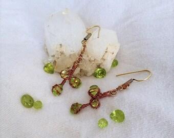 Lush Green Peridot Earrings / Copper Wire Earrings / August birthstone
