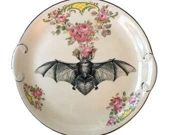 Vintage - Illustrated - Bat Plate - Wall Display - Altered Plate - Antique - Upcycled - Day of the Dead - Goth