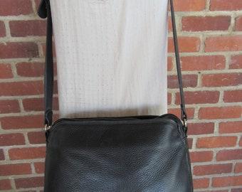 90s Minimalist Black Pebbled Leather Crossbody Bag Purse Handbag Satchel 1990s Pebbled Leather Bag Vintage